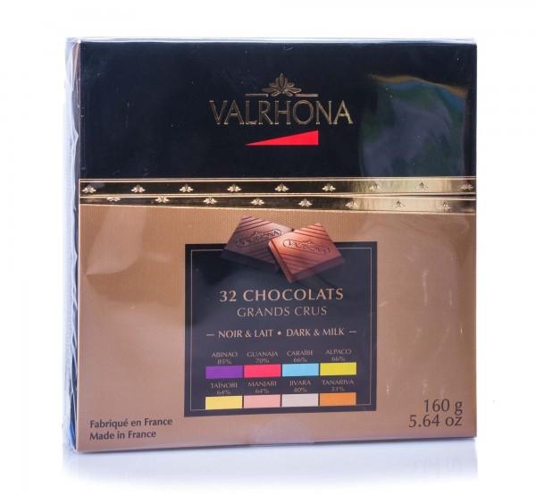 Valrhona Geschenkbox mit 32 Schokoladen-Karrees aus Zartbitter- und Milchschokolade, 160 g